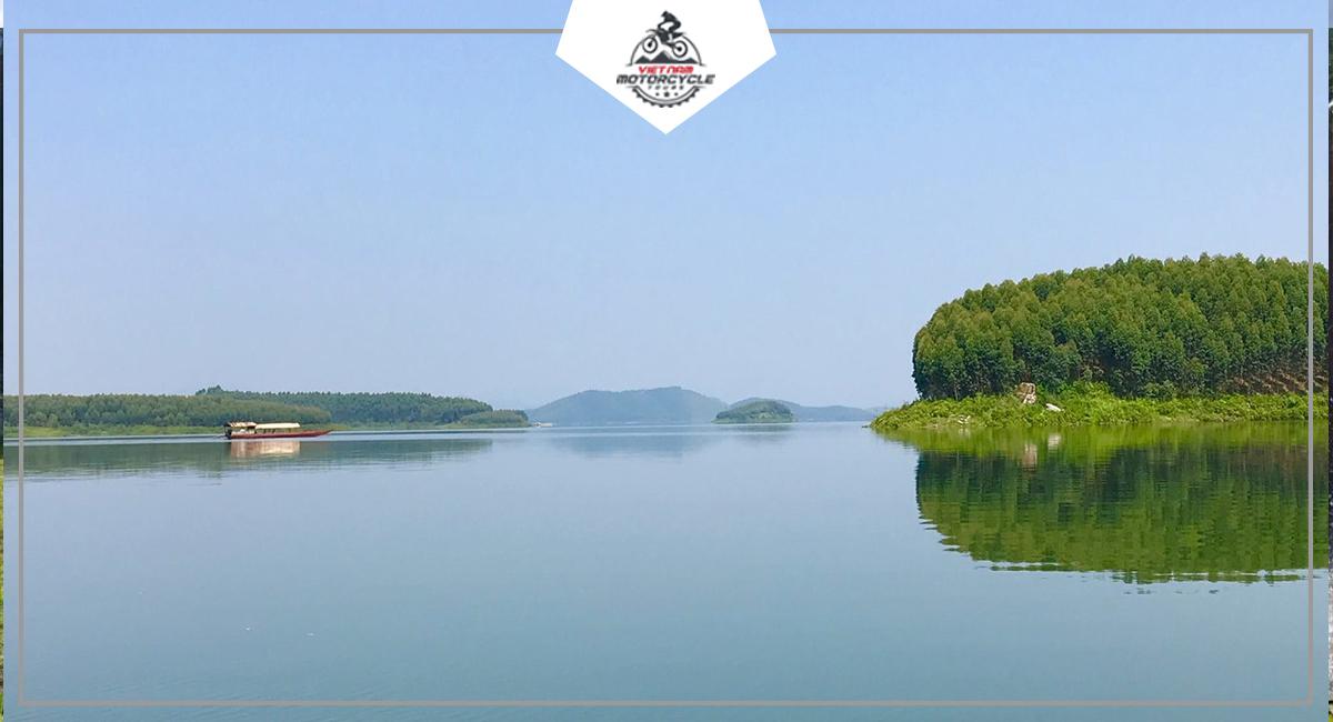 DAY 6: SAPA - THAC BA LAKE, VU LINH ( YEN BAI )