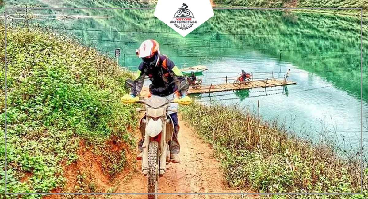 Bamboo Raft in Khau Vai