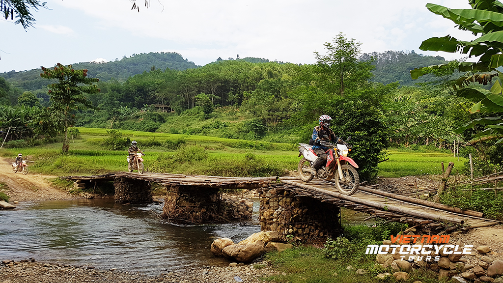 DAY 3: BA BE MOTORCYCLE TOURS TO CAO BANG CITY