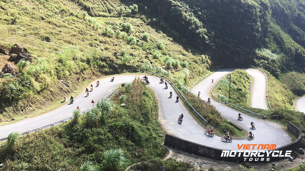 DAY 9:HA GIANG MOTORCYCLE TOURS TO DONG VAN (HA GIANG) – OFF-ROAD MOTORBIKE TOURS TO TRIBAL VILLAGES