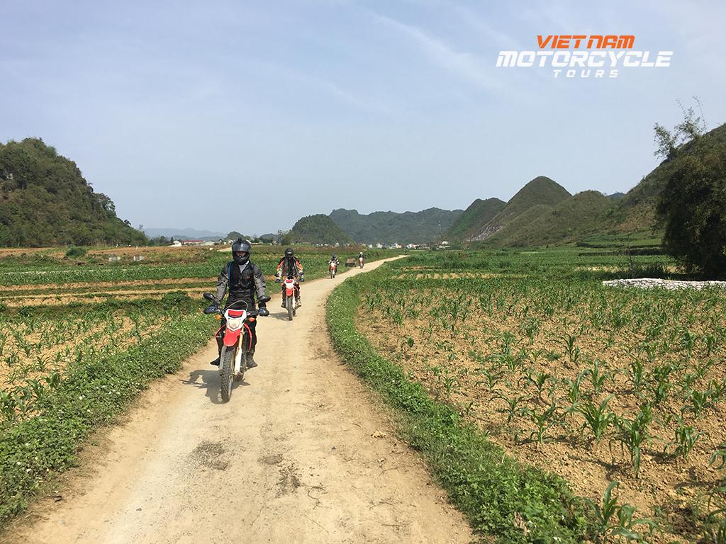 DAY 7: SAPA MOTORCYCLE TOURS TO BAC HA ( LAO CAI )