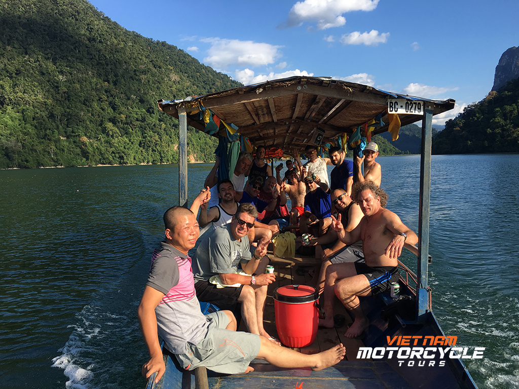 DAY 12:BOAT RIDE ON BA BE LAKE AND MOTORCYCLE TOURS TO NA KHAN ( BAC KAN)