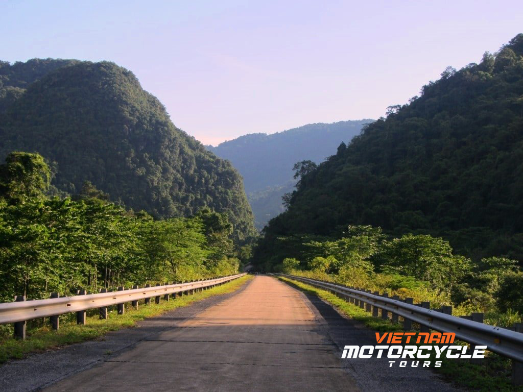 DAY 9: PHONG NHA MOTORBIKE TOURS TO DONG HOI