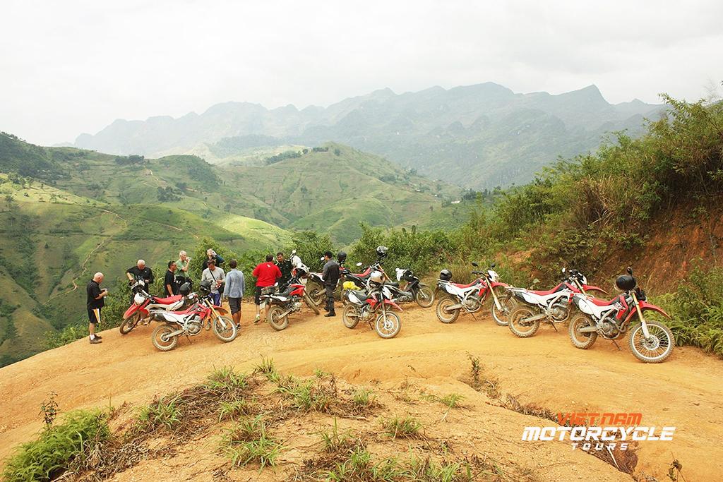 DAY 11: SAPA MOTORBIKE TOUR TO THAN UYEN