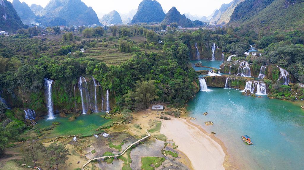 DAY 4: CAO BANG - BAN GIOC WATERFALL - QUANG UYEN (CAO BANG)