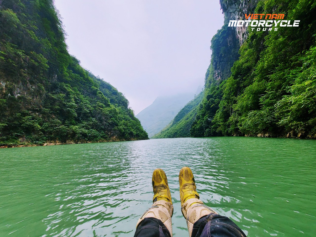 Motorcycle Tour Northern Vietnam: 8 Amazing Day