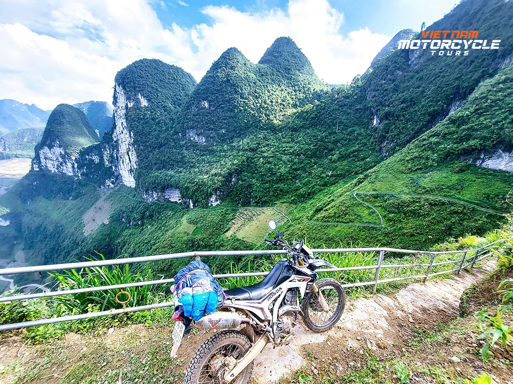 Where to go to explore Ha Giang by motorbike? Ha Giang motorcycle tours