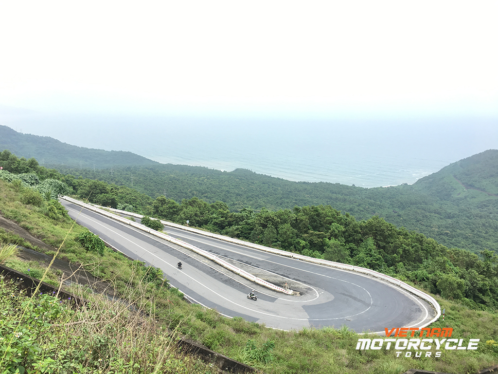 The enchanting Roads - Ho Chi Minh trail by motorcycle