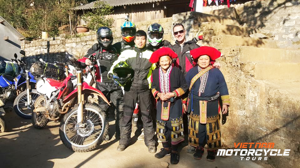 When should you start riding your motorcycle to Sapa? What time of the year to sign up for Sapa motorcycle tours?