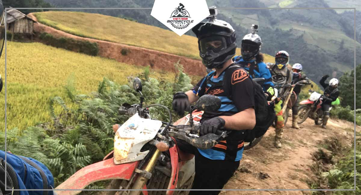 Travel to Cao Bang by motorcycle